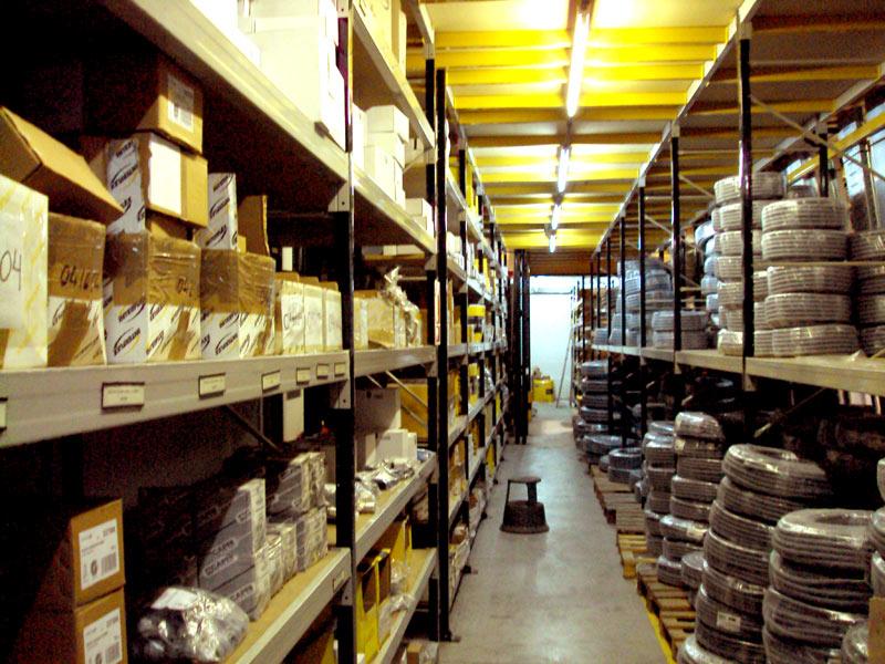 distribucion de equipo material electrico industrial en foz bilbao